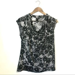 NWOT: ANN TAYLOR black and white floral blouse